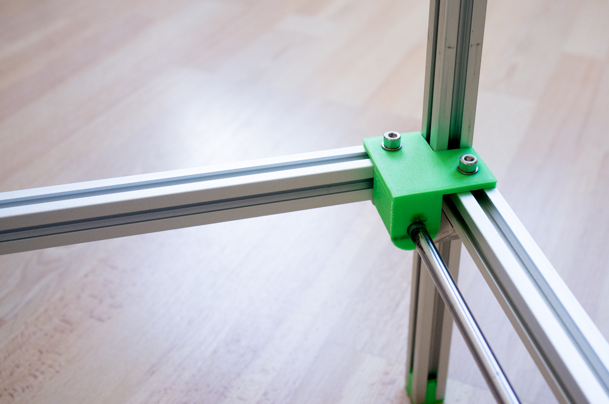Linear rod holder