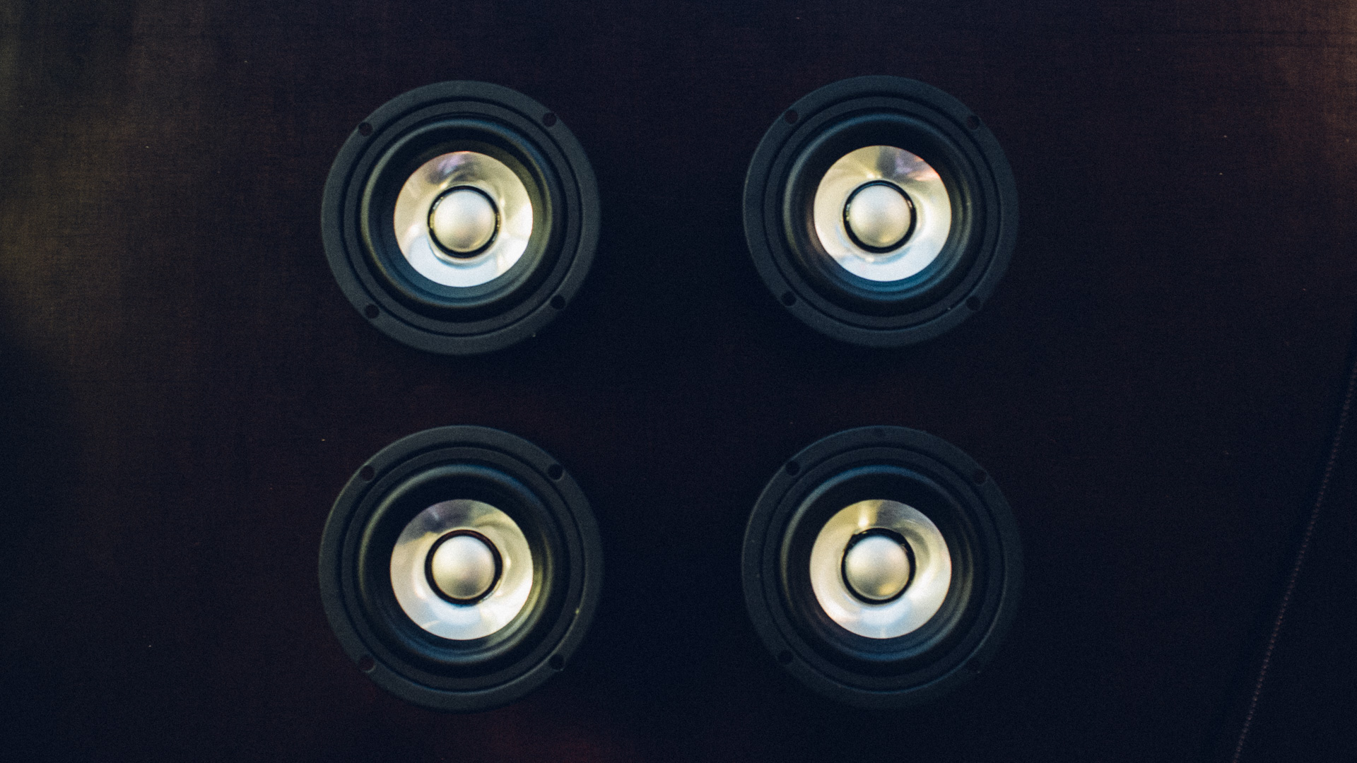 Impedance – How to Optimally Connect Speakers to an Amplifier